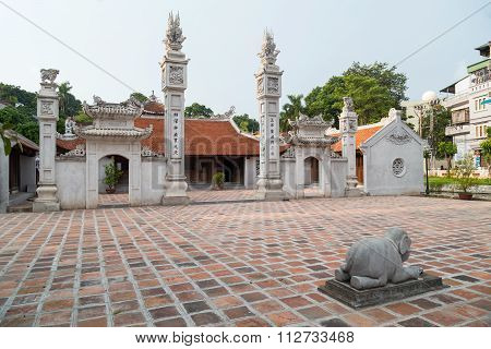 Hanoi, Vietnam - Circa September 2015: Dinh Ngoc Ha Temple In Hanoi,  Vietnam