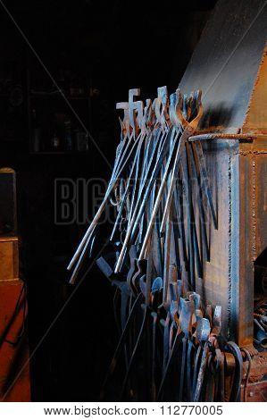 Blacksmith tongs
