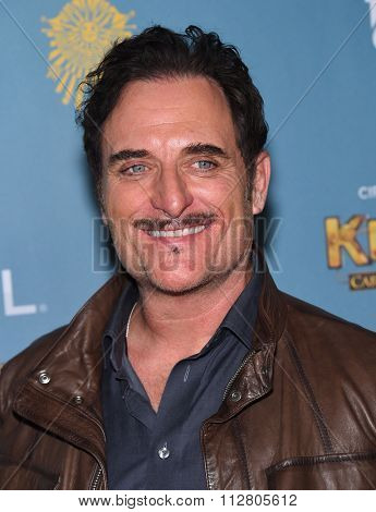 LOS ANGELES - DEC 09:  Kim Coates arrives to the Cirque du Soleil's