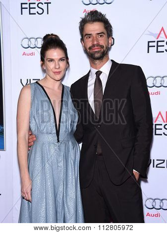 LOS ANGELES - NOV 12:  Lily Rabe & Hamish Linklater arrives to the AFI Fest 2015 Closing Gala 'The Big Short' World Premiere  on November 12, 2015 in Hollywood, CA.