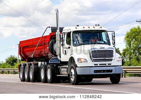 Freightliner Business Class