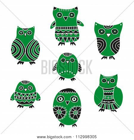 Set of cartoon owls and owlets