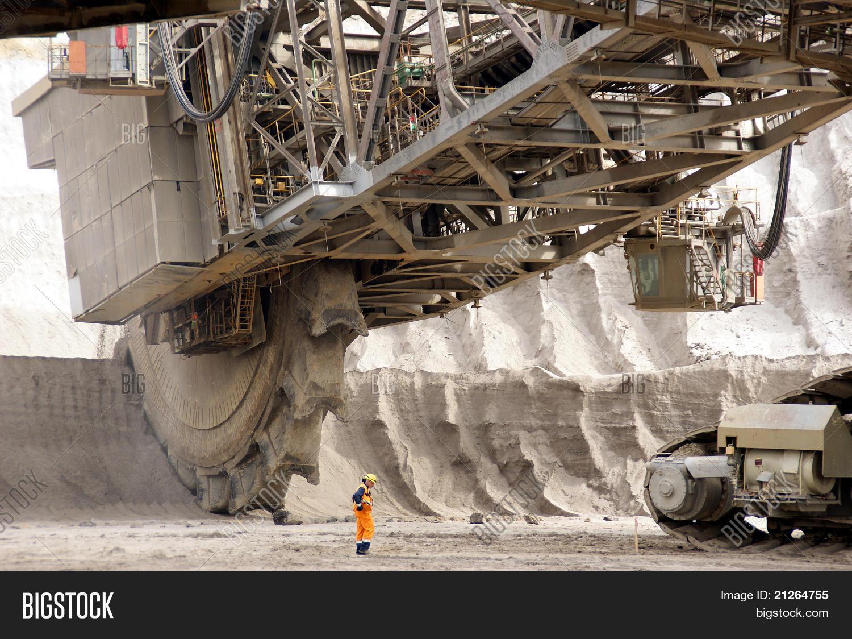 Bucket Wheel Excavator Image Photo Free Trial Bigstock