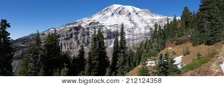 Mt Rainier as seen from the Paradise recreational area