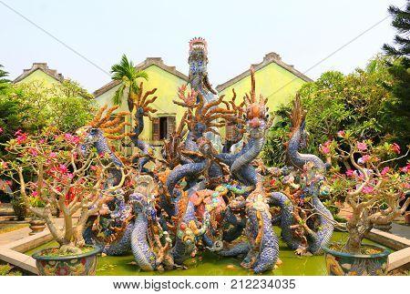Hoi Quan Quang Trieu Temple ( Cantonese Assembly Hall ) dragons Hoi An Vietnam