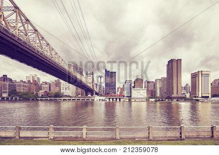 Queensboro Bridge And Manhattan Seen From Roosevelt Island, Nyc.