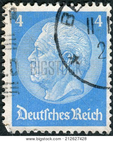 GERMANY - CIRCA 1933: Postage stamp printed in Germany (German Reich) shows the 2nd President of Germany Paul von Hindenburg circa 1933