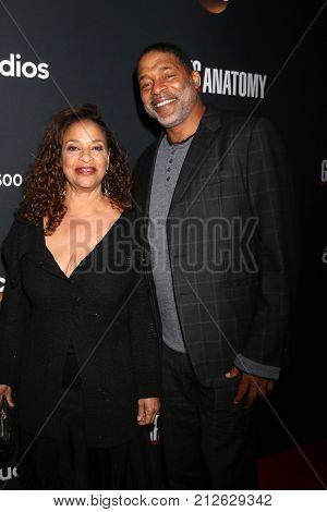 LOS ANGELES - NOV 4:  Debbie Allen, Norm Nixon at the