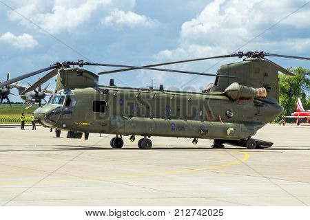 Boeing Ch-47 Chinook Cargo Helicopter