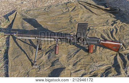 the big old Machine Gun on position