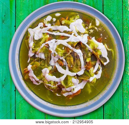 Chilaquiles verdes green recipe from Mexico