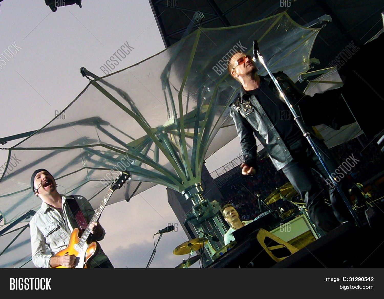 U2 Live Berlin 2009 Image & Photo (Free Trial) | Bigstock