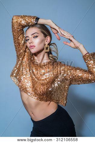 Fashion Wear. Beauty Trends. Beautiful Fashion Woman With Jewelry. Fashionable Jewelry, Earrings. Be