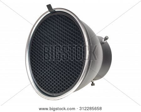 Reflector With Honeycomb Grid Accessory For Studio Strobes And Flashes The Honeycomb Grid Helps To F