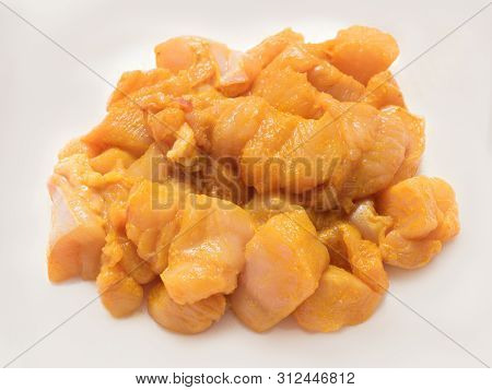 Plain Fresh Raw Skinless And Boneless Chopped Chicken Marinette With Salt And Turmeric
