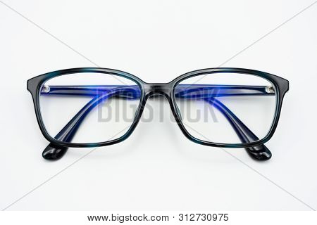 Black Eye Glasses Spectacles With Shiny Black Frame For Reading Daily Life To A Person With Visual I