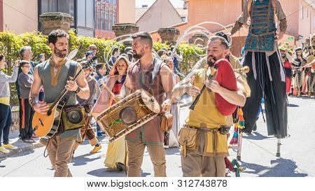 EL ALAMO, SPAIN - APRIL 30, 2016: parades, minstrels, dancers, drums and monsters in the most famous and important medieval fair in Spain, held in the town of El Alamo, Toledo