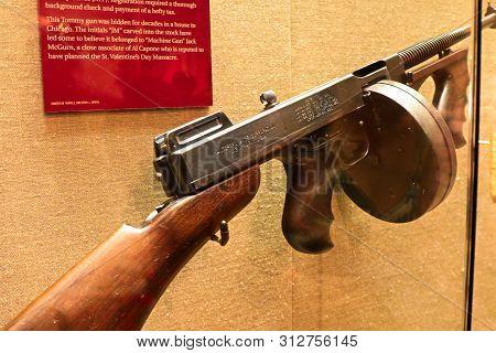 Las Vegas, Nevada Usa - Oct 30, 2015 : Photo Of The The Mob Museum Display Thompson Submachine Gun.