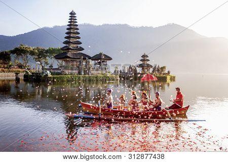 Beratan Lake In Bali Indonesia, June 6 2018 : Balinese Villagers Participating In Traditional Religi