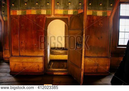Gothic And Renaissance Castle Interior, Regency Golden Chamber Or Royal Apartment, State Rooms In Ho