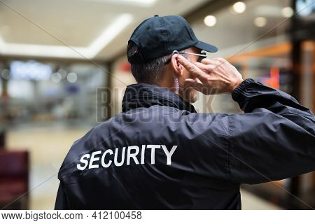 Mall Or Retail Store Security Guard Officer