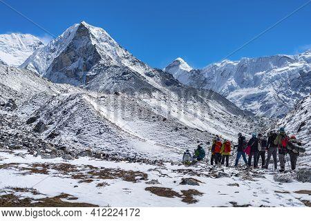 Mountaineers Make Climbing Mount Island Peak Imja Tse , 6, 189 M, Nepal.