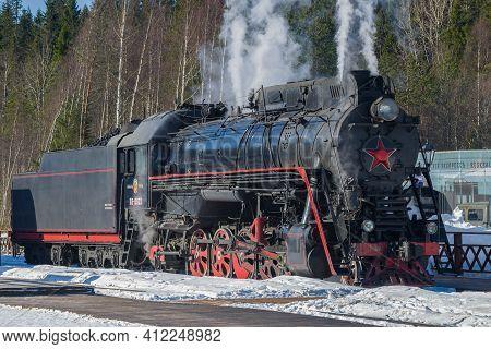 Ruskeala, Russia - March 10, 2017: The Last Mainline Soviet Steam Locomotive Lv-0522 On The Ruskeala