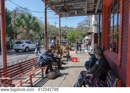 New Orleans, La - March 6: Traditional Jazz Band Performs At Fair Grinds Coffeehouse On March 6, 202
