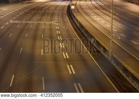 Atlanta, Ga Usa - 06 14 20: Interstate 75 Downtown Atlanta View Through A Blurred Fence