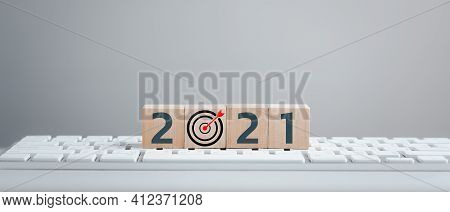 New Year 2021 And Goal Target Plan, Wood Cubes With New Year 2021 And Goal Or Target Icon. Concept O