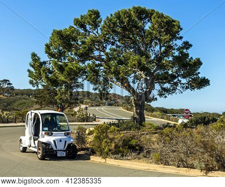 San Diego, Ca - November 3,2016:white Car On Road Over Sunny Day In San Diego,california,united Stat