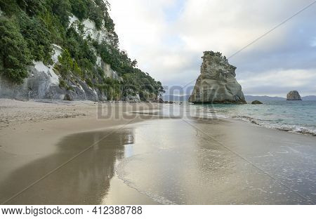 Te Hoho Rock At A Coastal Area Named Cathedral Cove In The Southern Part Of Mercury Bay On The Corom