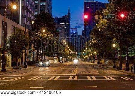 Atlanta, Ga Usa - 06 14 20: Downtown Atlanta 3rd Street At Night Traffic Red Light