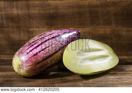 Sweet Cucumber Or Pear-melon - Solanum Muricatum