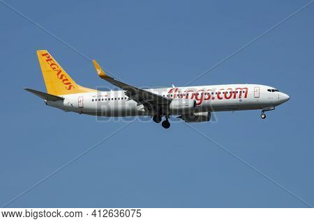 Istanbul, Turkey - March 28, 2019: Pegasus Airlines Boeing 737-800 Tc-cpj Passenger Plane Arrival An