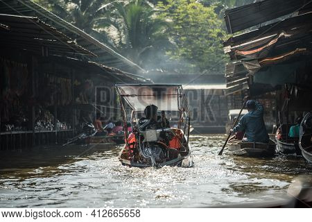 Famous Floating Market In Thailand, Damnoen Saduak Floating Market, Local People And Tourists Visiti