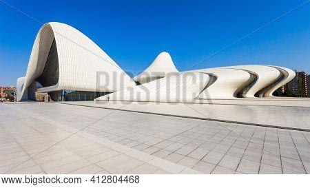 Baku, Azerbaijan - September 14, 2016:  The Heydar Aliyev Center Is A Building Complex In Baku, Azer