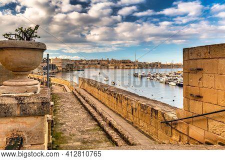 Battlement walls of the old town in Birgu, Malta