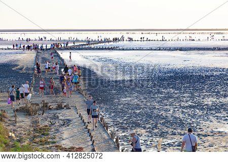 23.07.2020  Salty System Of Lagoons  Syvash, Sea Of Azov. Ukraine.  Salt Lake With Medicinal Mud, Fo