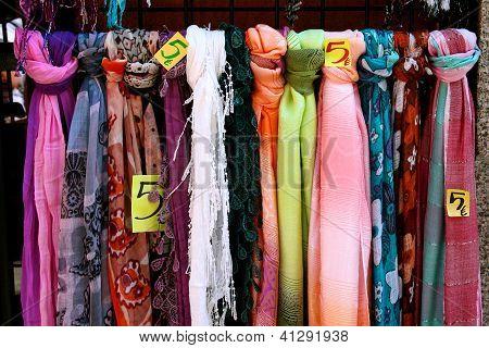 Scarves For Sale In Madrid
