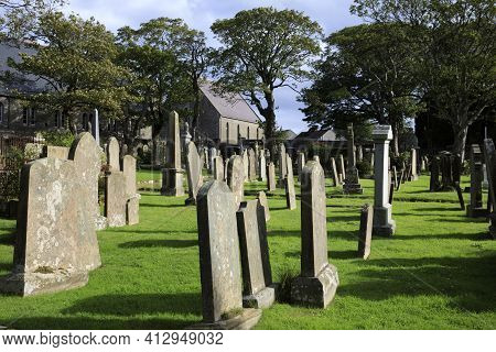 Kirkwall - Orkney (scotland), Uk - August 07, 2018: 12th Century Romanesque Saint Magnus Cathedral C