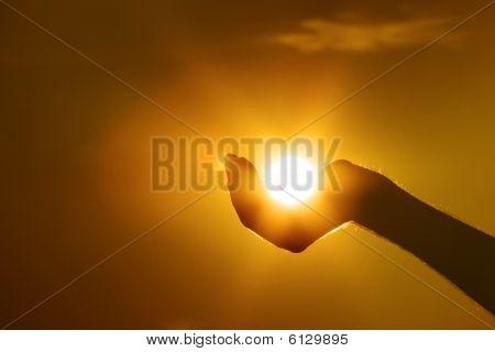 Sonne auf Seite Geste