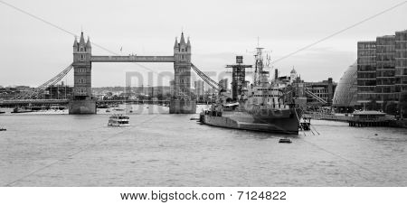 London - Tower bridge and cruiser Belfast