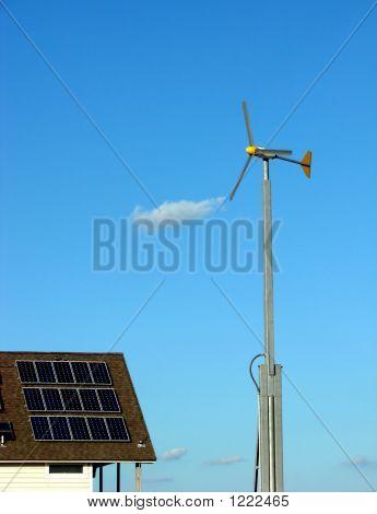 Paneles solares y energías renovables de la turbina de viento