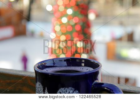 Image of the blue mug with mulled wine