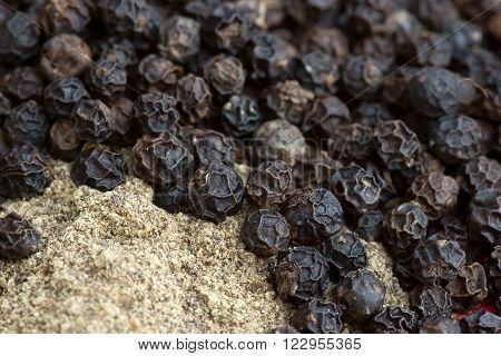Black Pepper - Fruit And Ground