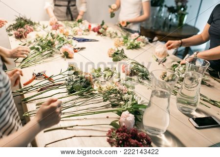 Master class on making bouquets. Summer bouquet. Learning flower arranging, making beautiful bouquets with your own hands.