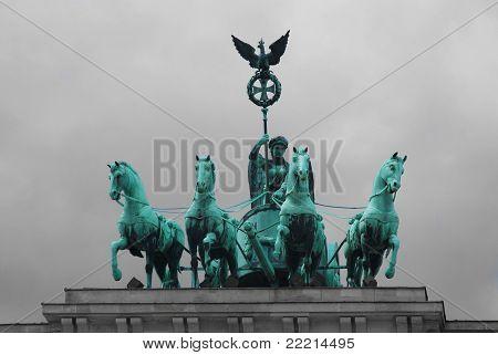 Quadriqa Sculpture