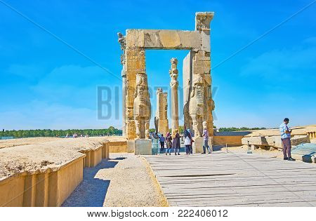 PERSEPOLIS, IRAN - OCTOBER 13, 2017: The way to the eastern entrance of All Nations Gates (Xerxes Gate), one of the iconic buildings of Persepolis archaeological site, on October 13 in Persepolis.