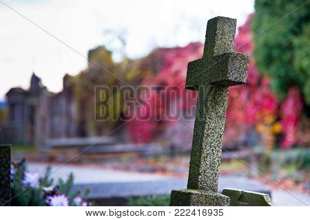 Old Cross in the Autumn Burial Ground